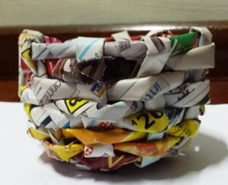 mini basket made from magazine pages